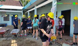 Vinh Long Community service project – Renovating a school
